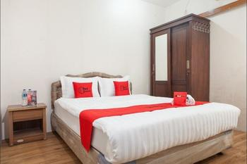 RedDoorz near Pelabuhan Tanjung Perak 2 Surabaya Surabaya - RedDoorz Room with Breakfast Regular Plan