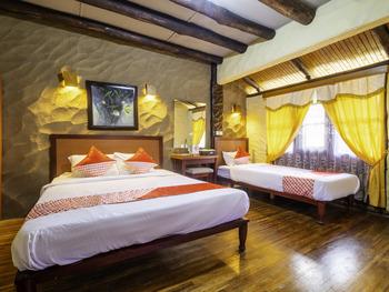 OYO 2640 Rumah Kayu Cottage Syariah Bandung - Two Bedroom Villa Regular Plan