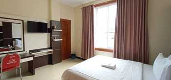 Galaxy Inn Hotel Bau-Bau - VIP Room Regular Plan