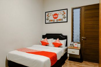 OYO 1023 Junggo Tentrem Malang - Standard Double Room Regular Plan