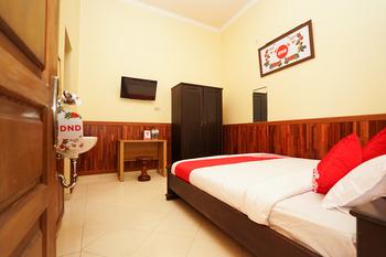 OYO 771 Kembang Kuning Residence Syariah Surabaya - Standard Double Room Regular Plan