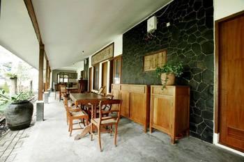 Ronia Mountain Villa Lembang Bandung - Ronia Luxury Bungalow Breakfast Regular Plan