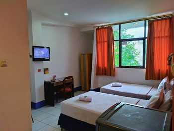 MIRA Hotel Banjarmasin - Deluxe Family Regular Plan