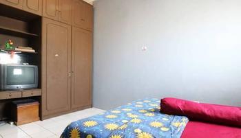 Srimanganti Guesthouse Jakarta - Standard Room Only Shared Bathroom Minimum Stay