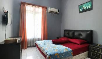 Srimanganti Guesthouse Jakarta - Standard Room Only 53% Min stay 3 N
