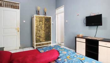 Srimanganti Guesthouse Jakarta - Standard Room Only Minimum Stay