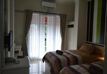 Rizh Garden Family Hotel Bandung - Deluxe Room Regular Plan