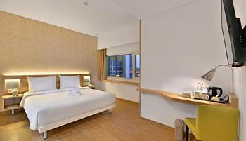 Whiz Prime Hotel Basuki Rahmat Malang Malang - Deluxe Double Room Breakfast include Iftar Regular Plan