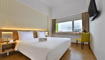 Whiz Prime Hotel Basuki Rahmat Malang Malang - Superior Double Room Only Minimum Stay