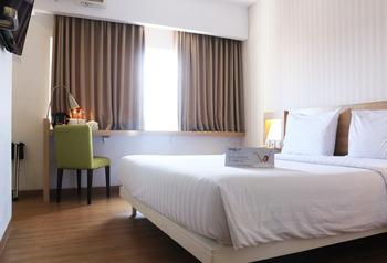 Whiz Prime Hotel Basuki Rahmat Malang Malang - Deluxe Double Room Only KETUPAT