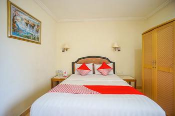 OYO 800 Hotel Yuta Manado - Standard Double Room Regular Plan