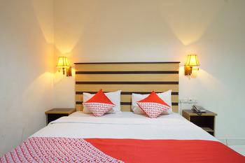 OYO 800 Hotel Yuta Manado - Suite Double  Regular Plan