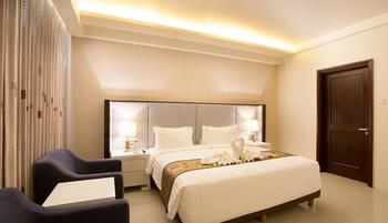 Golden Palace Lombok - Deluxe Room with Breakfast Regular Plan