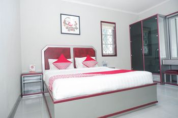 OYO 1284 Executive Residence Semarang - Standard Double Room Regular Plan