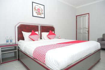 OYO 1284 Executive Residence Semarang - Suite Double Regular Plan