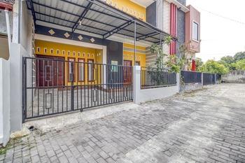KoolKost Syariah near Universitas Amikom Yogyakarta 2