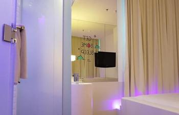 J iCon Hip Hotel Balikpapan - Square Room 1 Person Regular Plan