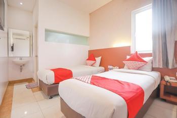 OYO 180 Hotel Mirah Jakarta - Standard Twin Room Regular Plan