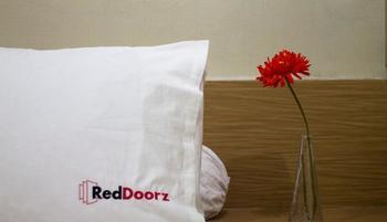 RedDoorz @Karet Setiabudi Jakarta - RedDoorz Twin Room Last Minute Deal