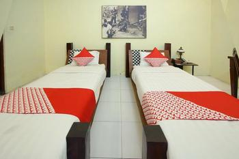 OYO 199 Rumah Palagan Guest House Yogyakarta - Deluxe Twin Room Regular Plan