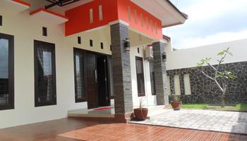 Simply Homy Guest House Sawit Sari 1