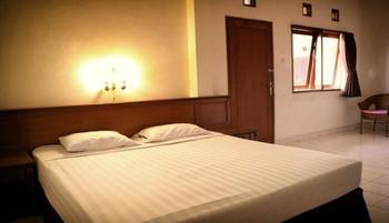 Wisma Gandapura Bandung - Deluxe Room Only Regular Plan