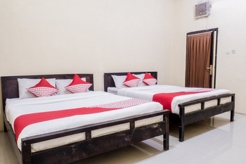 OYO 564 Bunga Matahari Guest House and Hotel Malang - Suite Double Regular Plan