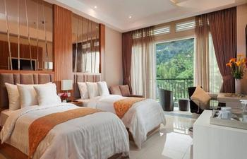 Sahid Eminence Hotel Convention & Resort Cianjur - Junior Suite Twin Bed  - Room Only LUXURY - Pegipegi Promotion