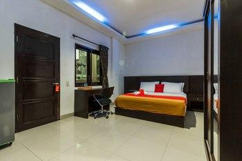 RedDoorz Premium @ Ampera Raya 2 Jakarta - RedDoorz Room Basic Deal