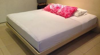 Farila Guesthouse 2 Surabaya - Standard Single Regular Plan