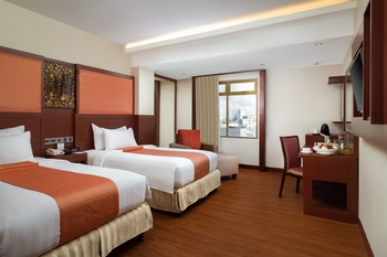 Best Western  Makassar - Deluxe Twin Smoking Room Only Promo Gajian