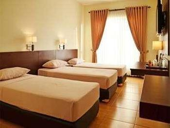 Pondok Jatim Park Malang - Superior Triple Room with Breakfast HOT DEALS DISCOUNT 20%