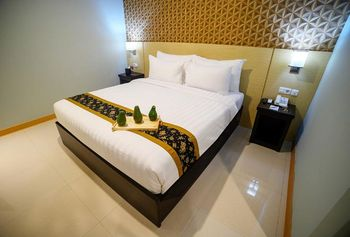 Horison Kotaraja Jayapura - Superior Room Basic Deal Min Stay 2