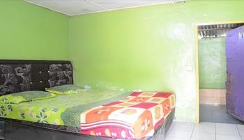 Uncle Jack Beach Homestay 2 Padang - Jambak Beach Room Regular Plan