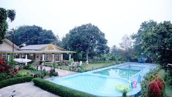 Residences by RedDoorz near Taman Safari