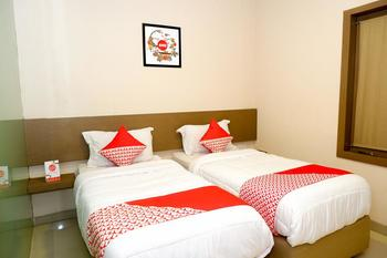 OYO 379 Grand Mundu Semarang - Standard Twin Room Regular Plan