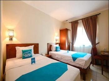 Airy Sukapura DR Wahidin 52 Cirebon - Deluxe Twin Room Only Regular Plan
