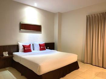 Ameera Hotel Pekanbaru - Business Room Regular Plan