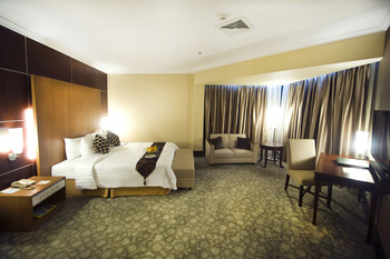 Emerald Garden Hotel Medan - Executive Suite Regular Plan