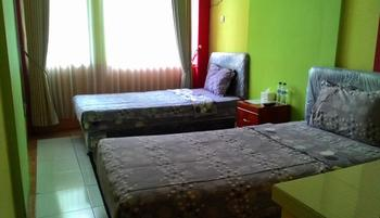Hasanah Sawojajar Guest House Malang - Standard Room Only Regular Plan