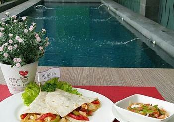 Serela Waringin Hotel Bandung - Superior Breakfast&Chicken Fajitas 1Pax Twin Bed Minimum 2 Night Stay