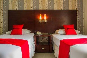 RedDoorz @ Cikutra 3 Bandung - RedDoorz Room Regular Plan