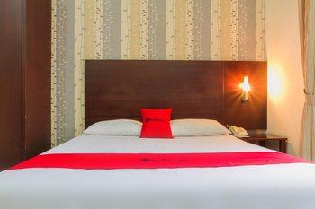 RedDoorz @ Cikutra 3 Bandung - RedDoorz Room with Breakfast Regular Plan