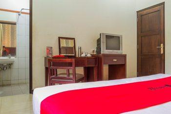 RedDoorz @ Cikutra 3 Bandung - RedDoorz Limited SALE Regular Plan