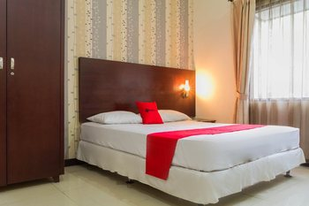 RedDoorz @ Cikutra 3 Bandung - RedDoorz Deluxe Room with Breakfast Regular Plan