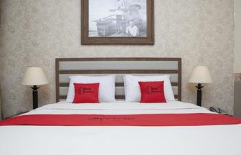RedDoorz Plus near Bandung Indah Plaza Citarum - RedDoorz Room Regular Plan