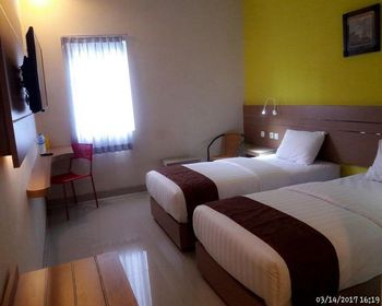 Budget Hotel Ambon - Executive Twin Room Only Regular Plan