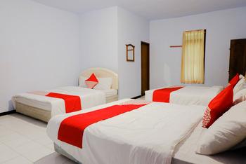 OYO 421 Alianda Guest House Syariah Malang - Suite Family Room Regular Plan