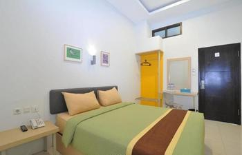 Sentra Inn Hotel Bandung - Standard Double Room Regular Plan