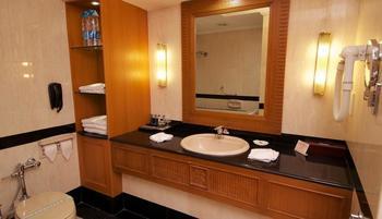 Sunlake Hotel Jakarta - Royal Suite Room With Breakfast Regular Plan